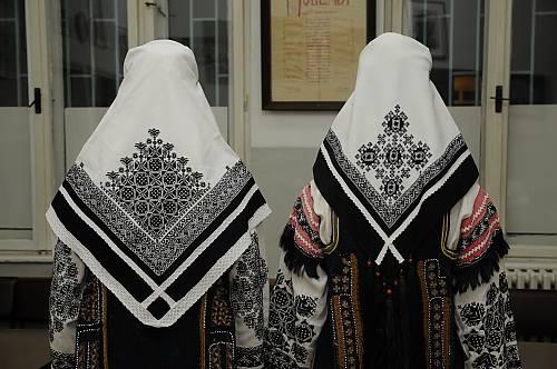 刺繡的精細度展現女人的社經地位(UNESCO)